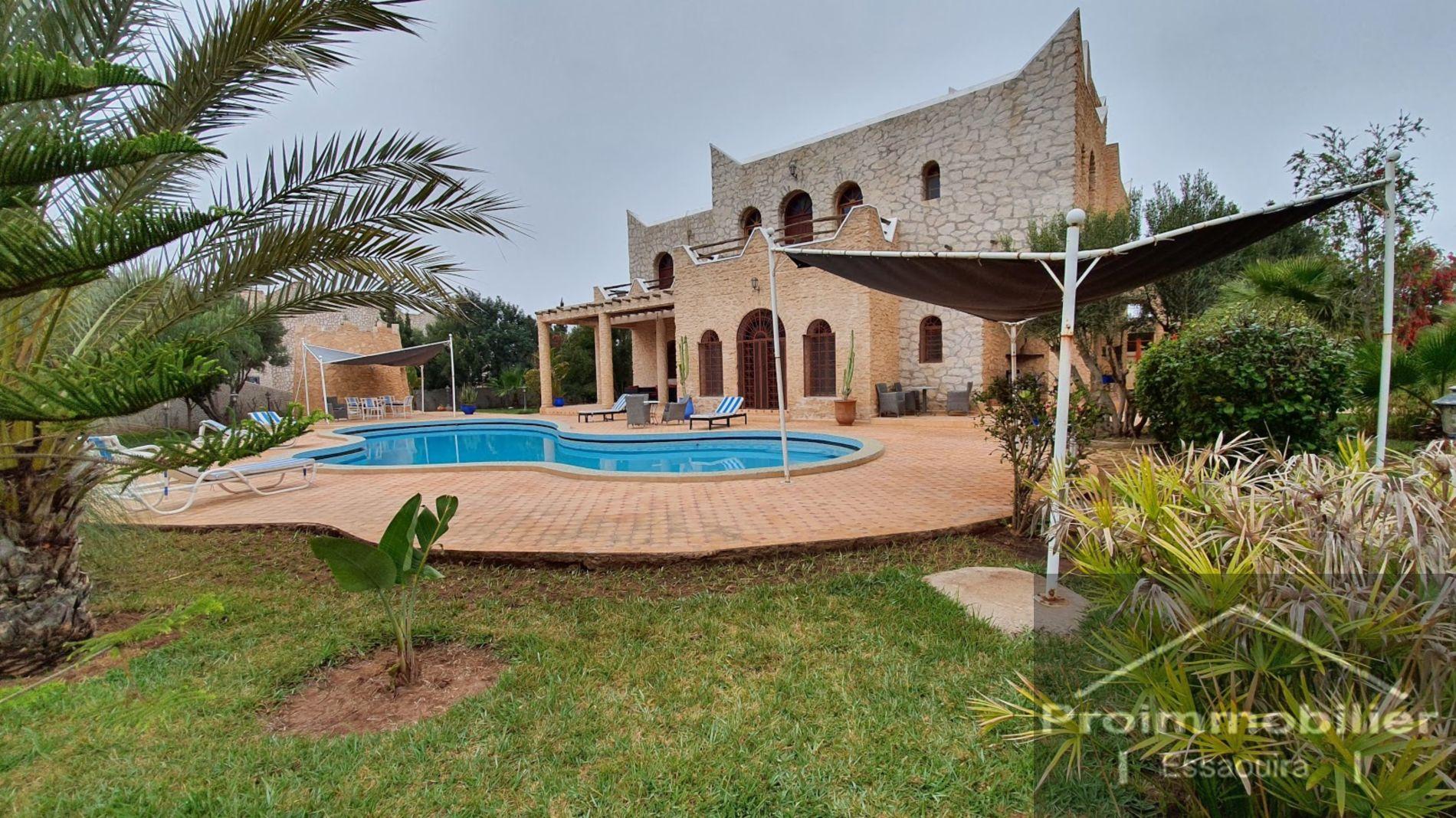 15-10-387-VV  Beautiful Villa 500m² Garden 2200m²