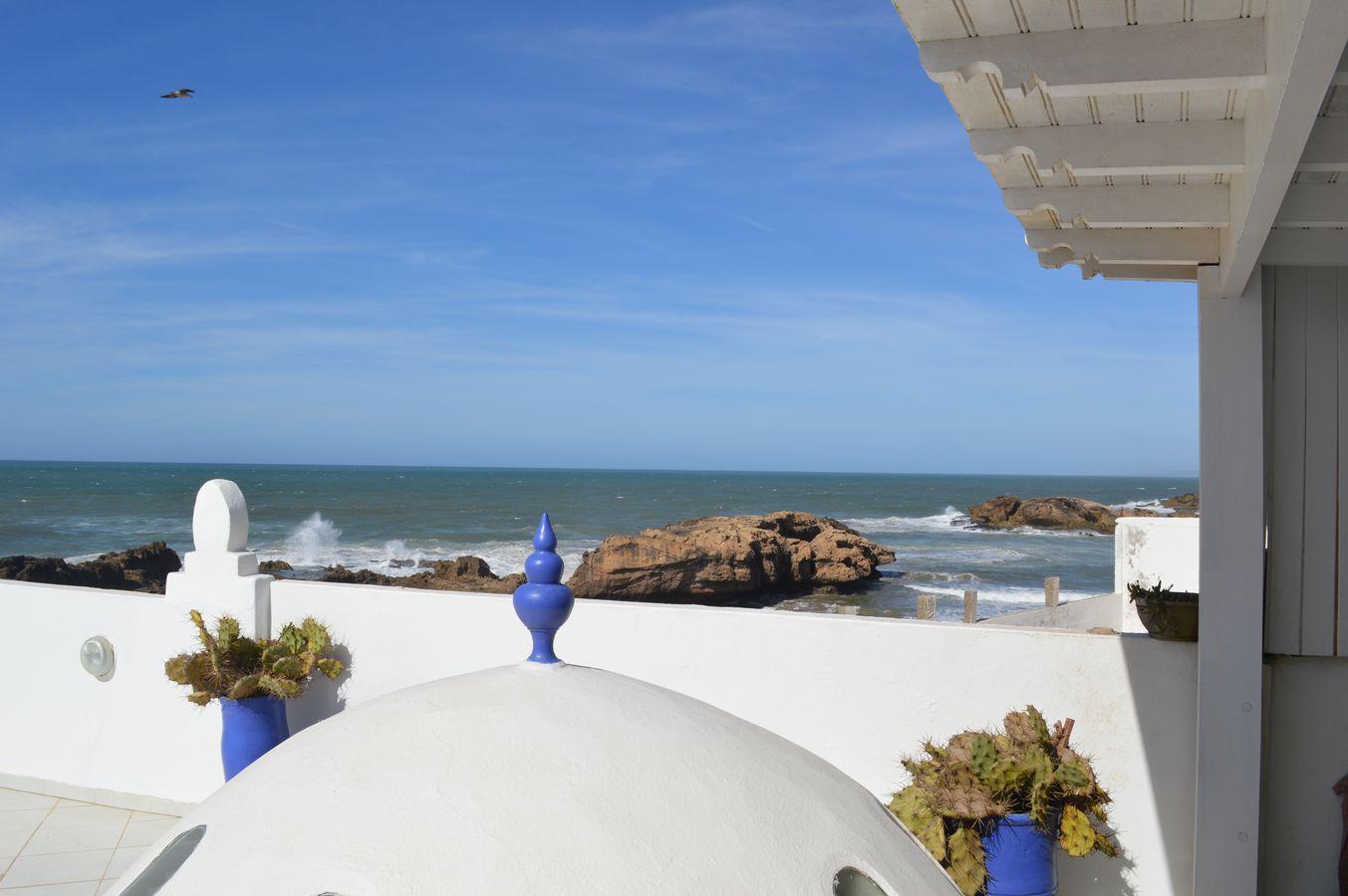 18-10-02-VR Amazing riad furnished Sea view 300m²