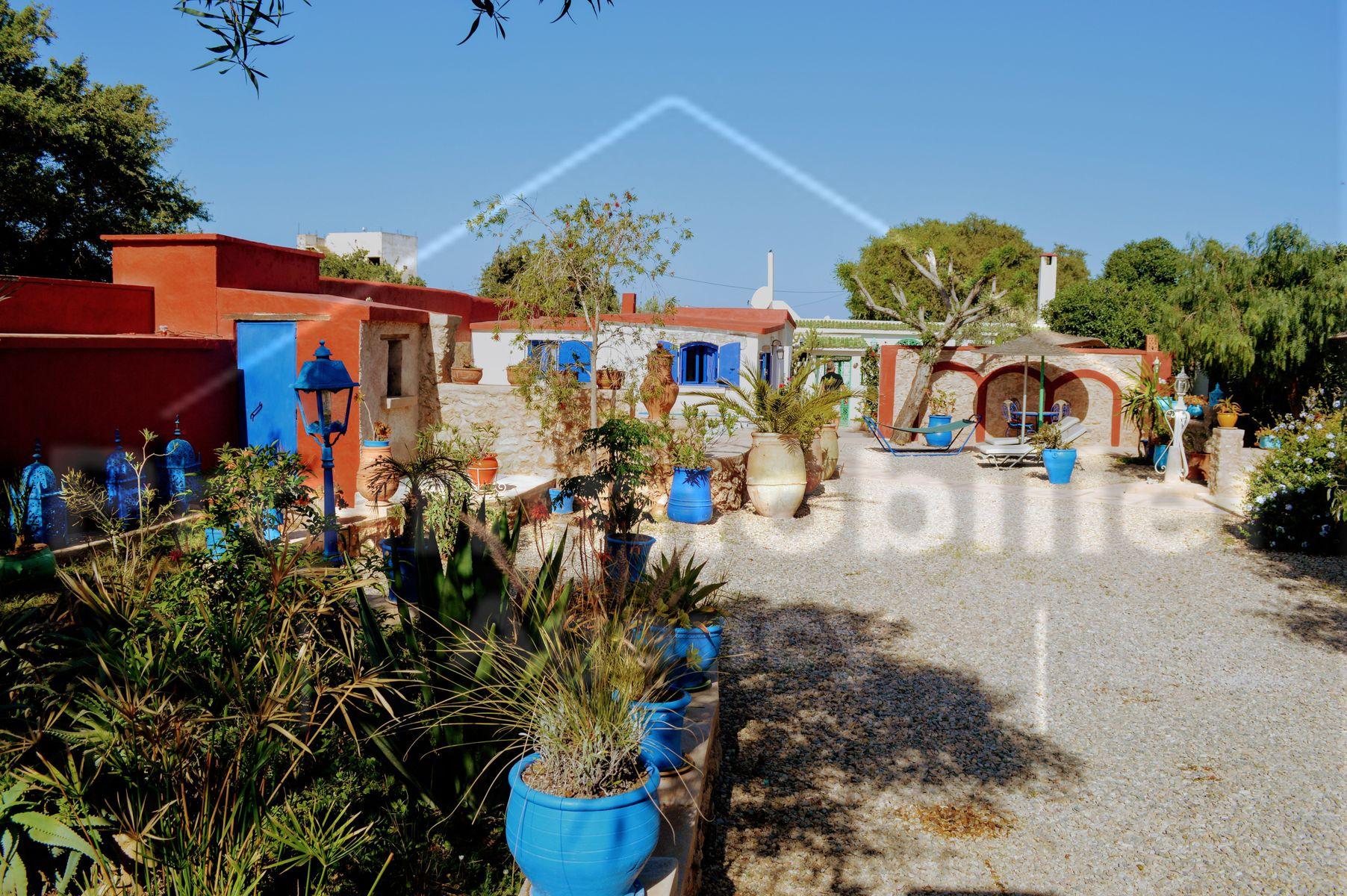 15-12-398-VV Villa 217 m² Garden 758 m²