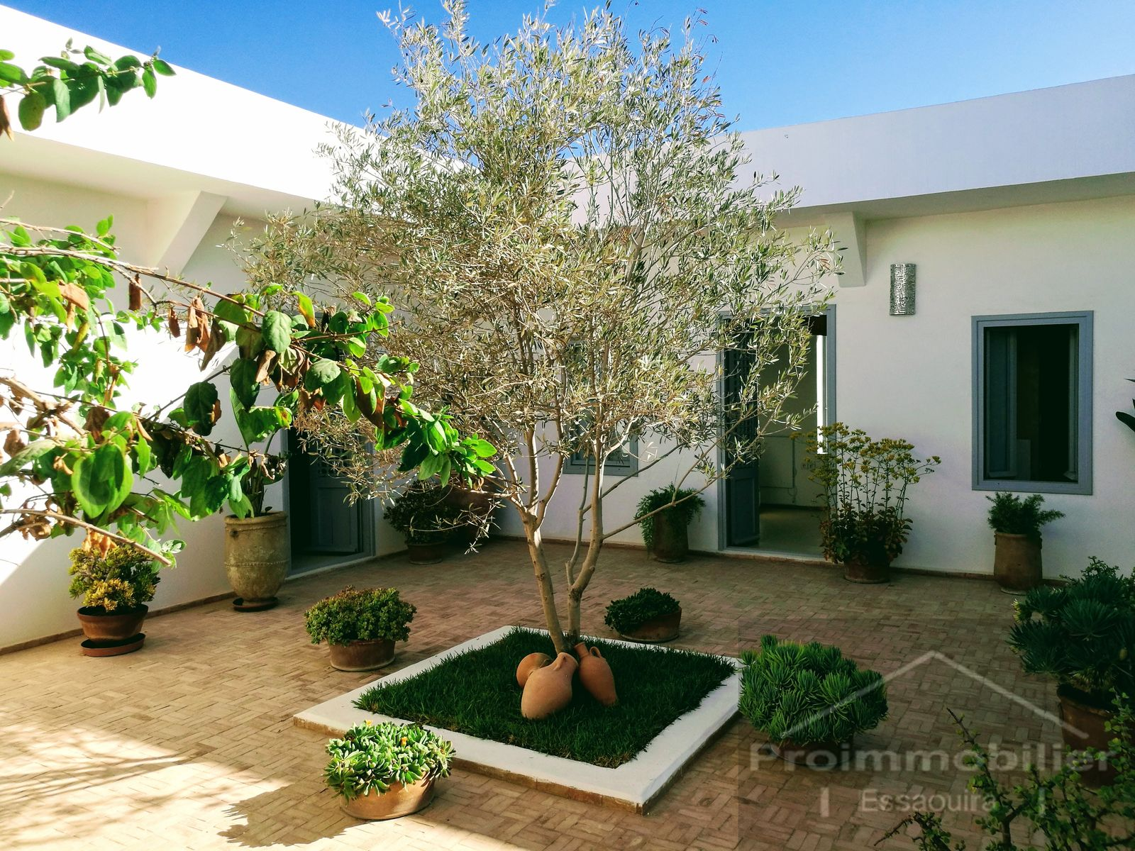 19-12-04-VV Amazing Villa 1167 m² with terrace 40 m²