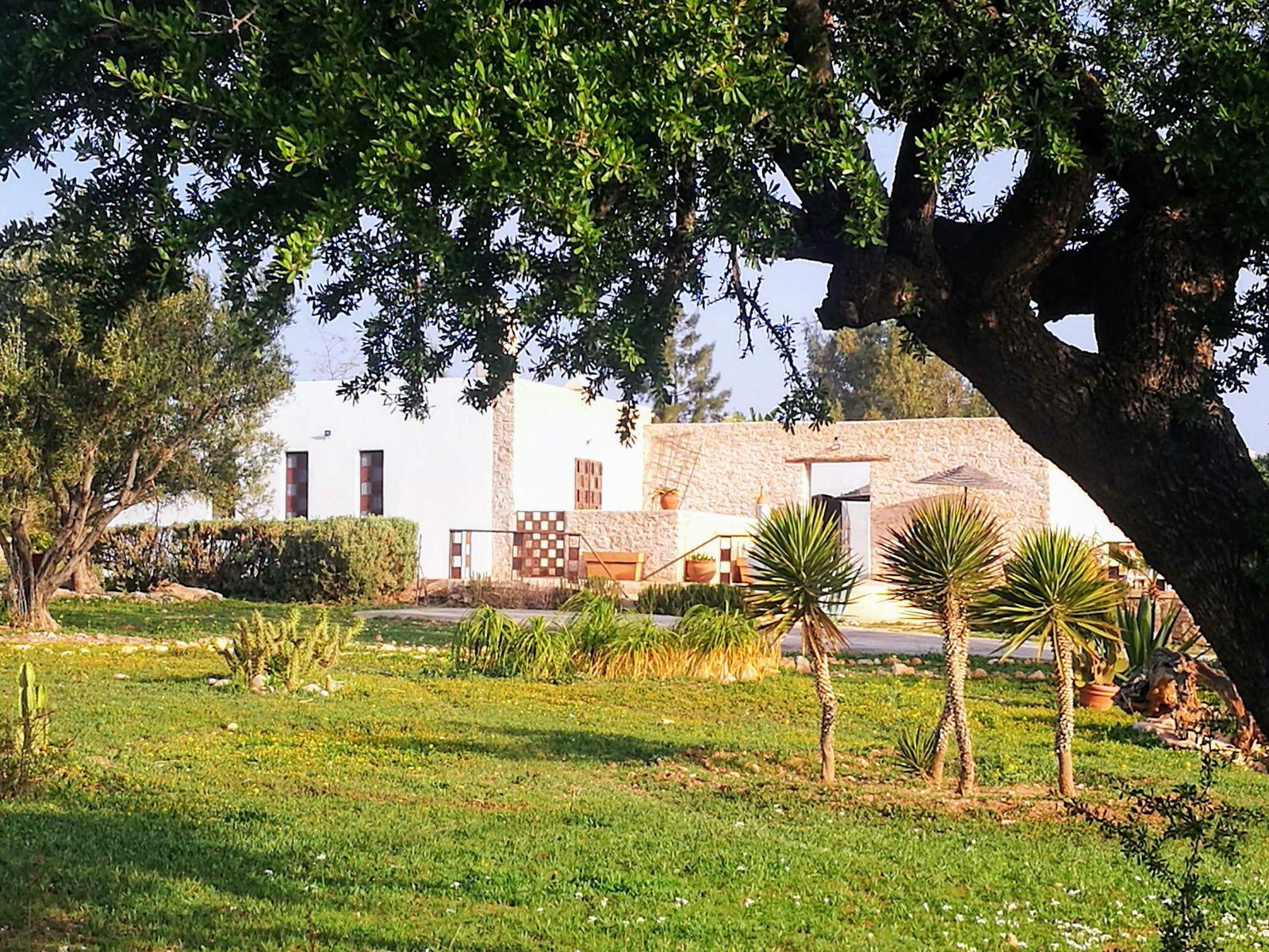 20-02-00-VM Beautiful House 200 m² Garden 10 000 m²