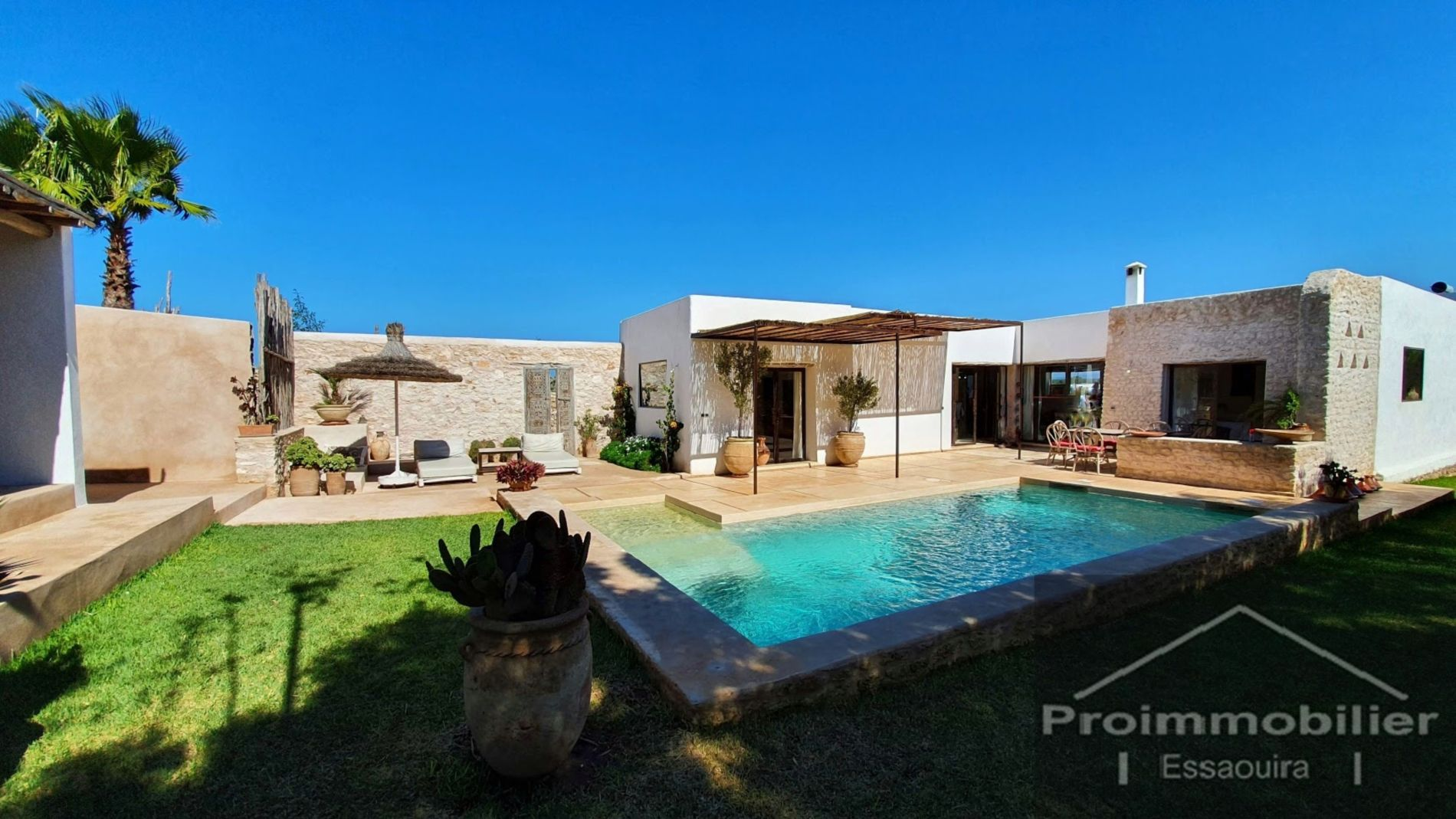 21-02-06-VV Charming Villa of 120m² Land 1674m²