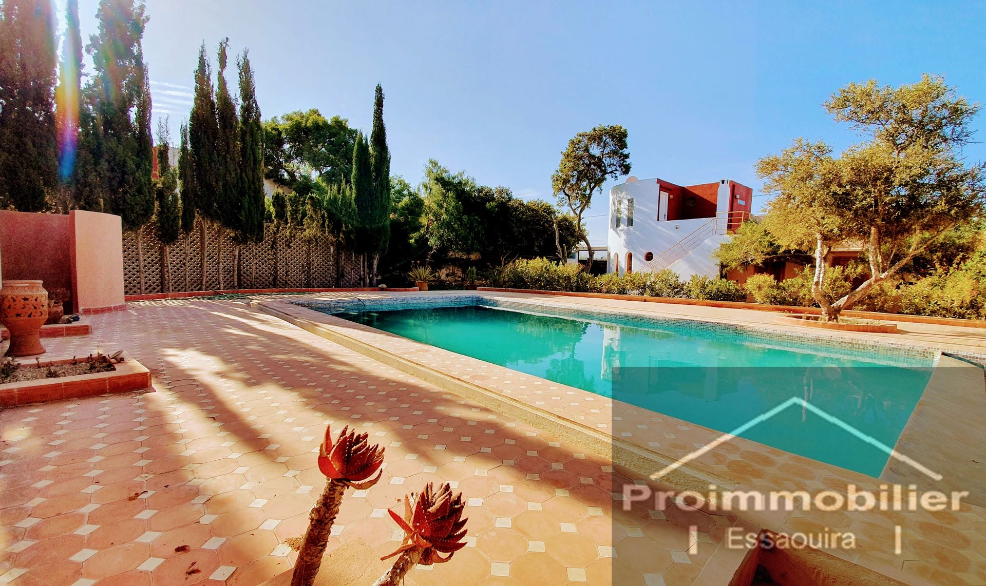 18-01-01-VV Beautifull Villa of 190m² , Land of 1118m²