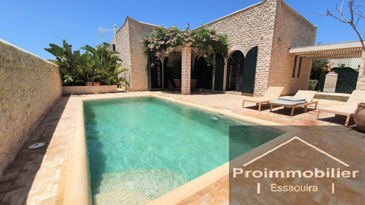 17-01-08-VV Beautiful Villa for sale in Essaouira with swimming pool 102m² Garden 401m²