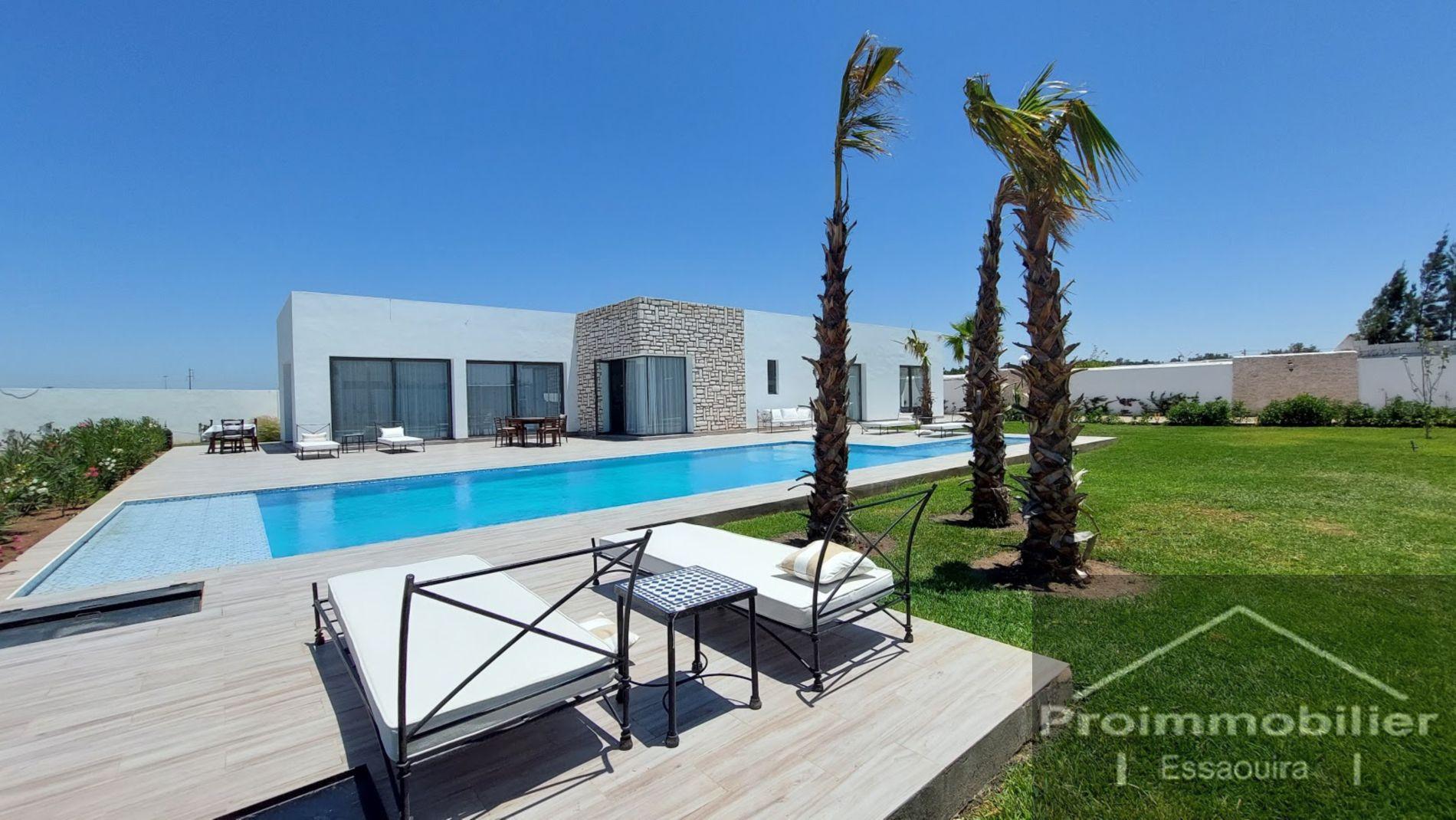 21-06-02-VV Niesamowity dom o powierzchni 300 m² , działka 2200m²